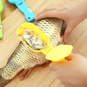 Нож за чистене на люспи от риба с контейнер