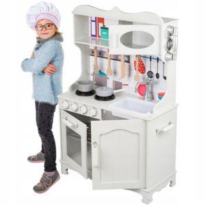Детска дървена кухня с оборудване и прибори