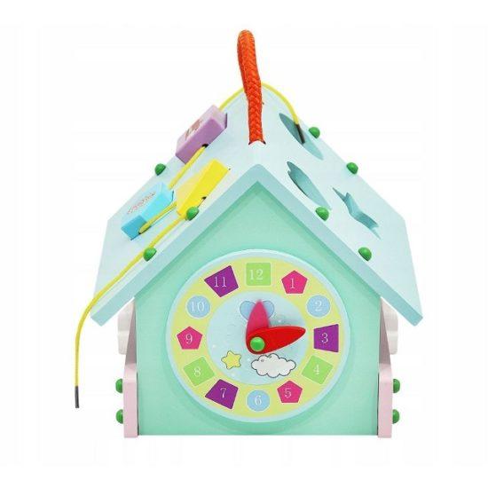 Детска дървена къща с играчки за сортиране