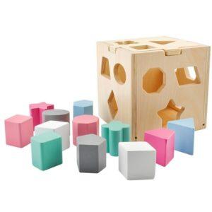 Детско дървено образователно кубче за сортиране