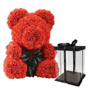 Подарък за жена - плюшено мече от рози