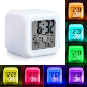 Светещ LCD часовник